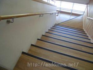 階段で胸がドキドキする